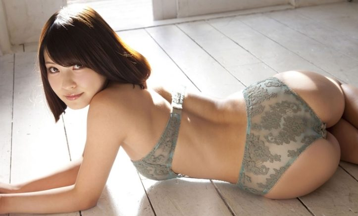 HOT Japanese girl escort models