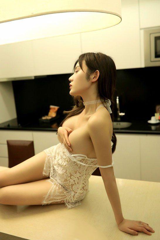 Eros escort girl